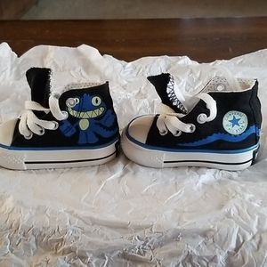 BABY BOY  CONVERSE ALL STAR  SIZE 2 NEW